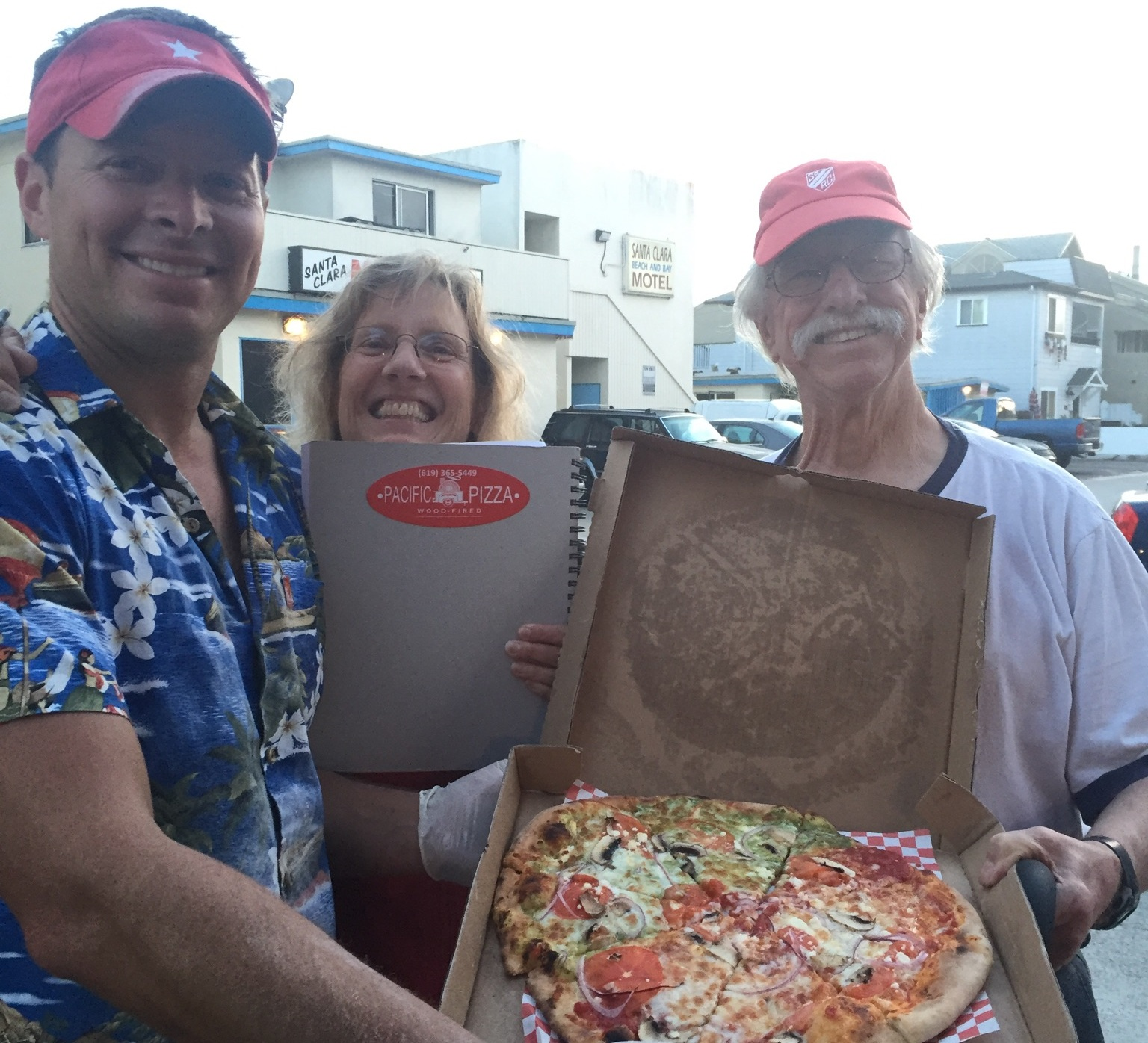 Dodd and his wife Sonja enjoying Pacific Pizza at the Surfrider fundraiser in Mission Beach